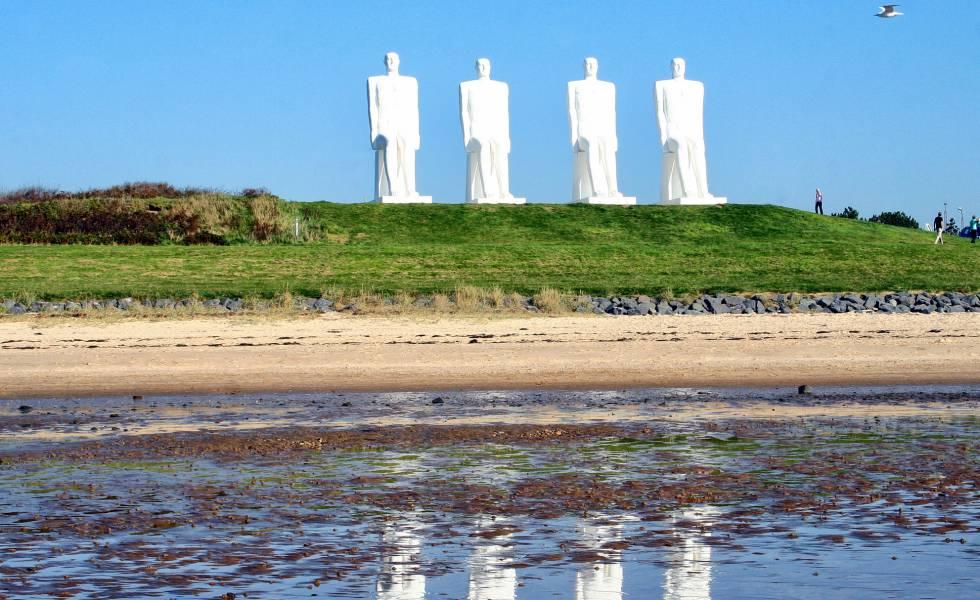 La instalación 'Man Meets the Sea', en el municipio costero de Esdjerg (Dinamarca).