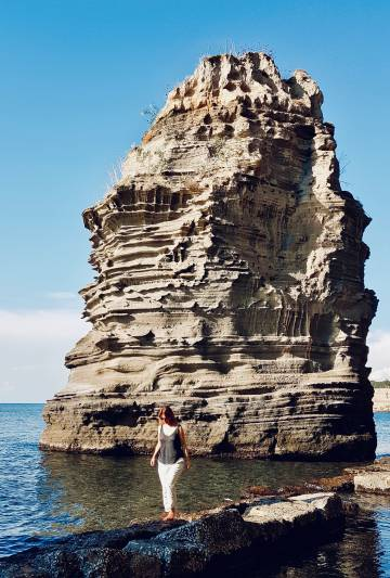 Praia de Chiaiolella, em Procida, no sul da Itália.