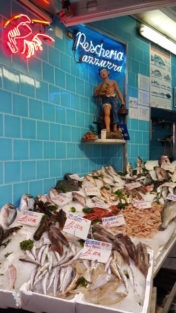 Peixaria Azzurra, no bairro dos Espanhóis, em Nápoles.
