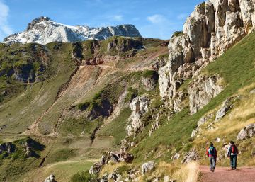 finest selection df1f4 42faa Ten easy mountain trails to enjoy in Spain