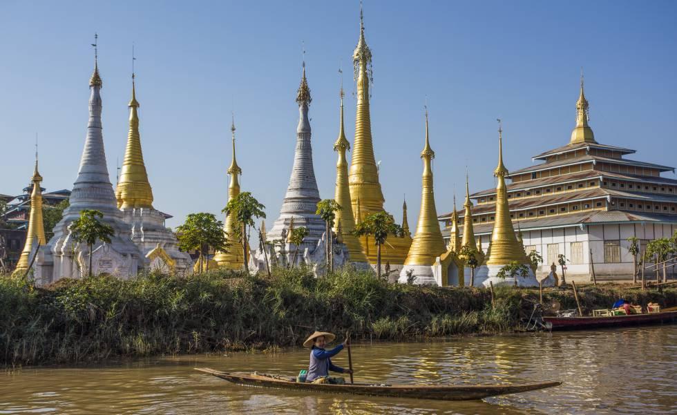 Embarcación tradicional en el lago Inle, en Myanmar.