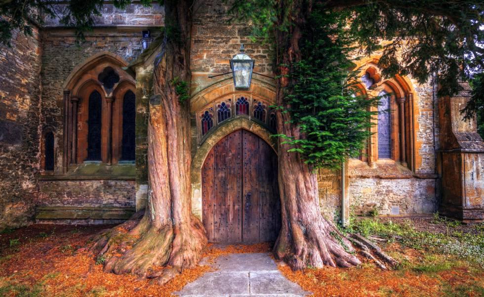 Puerta de una iglesia en Stow-on-the-Wold, en los Cotswolds.