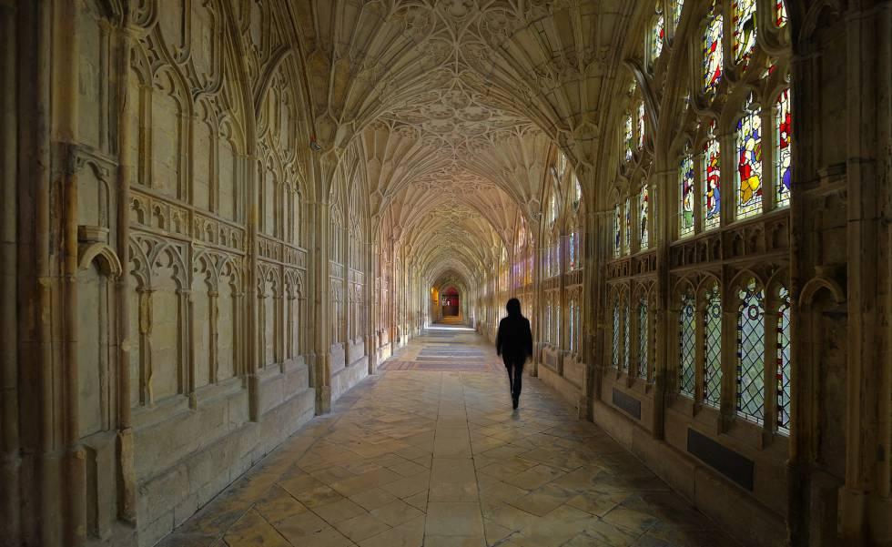 Interior de la catedral de Gloucester (Inglaterra).