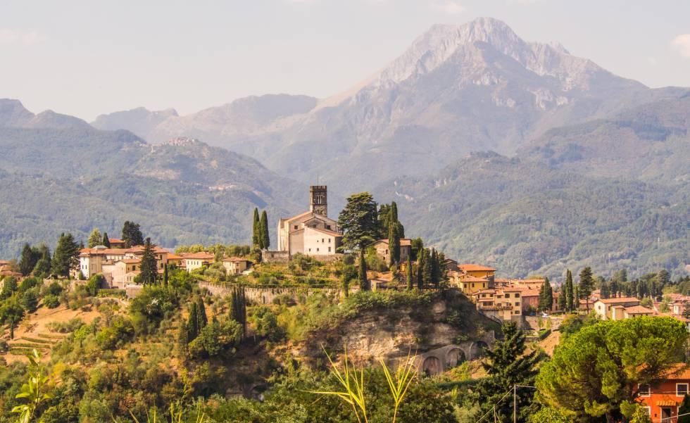 El enriscado pueblo de Barga, en la Toscana.
