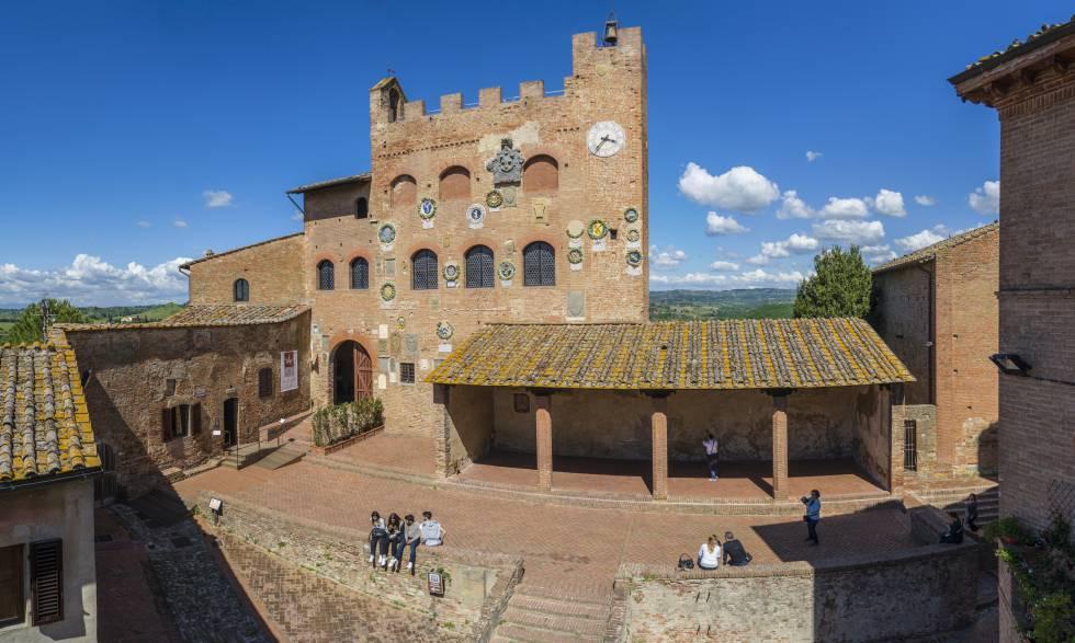 Exteror del 'palazzo' Pretorio, en el pueblo toscano de Certaldo.
