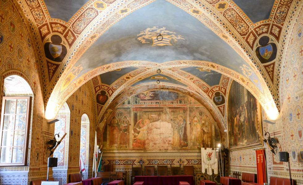 Interior del ayuntamiento de Volterra, en la Toscana italiana.