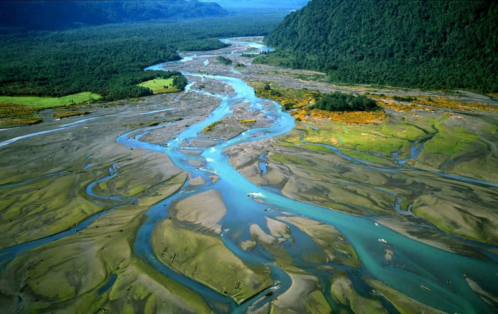 O fiorde de Reñihué, no Parque Nacional Pumalín (Chile).