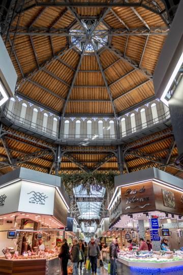 Interior del mercado de Sant Antoni.