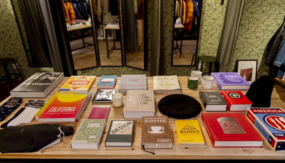 Libros de Trait Store, en el barrio de Sant Antoni (Barcelona).