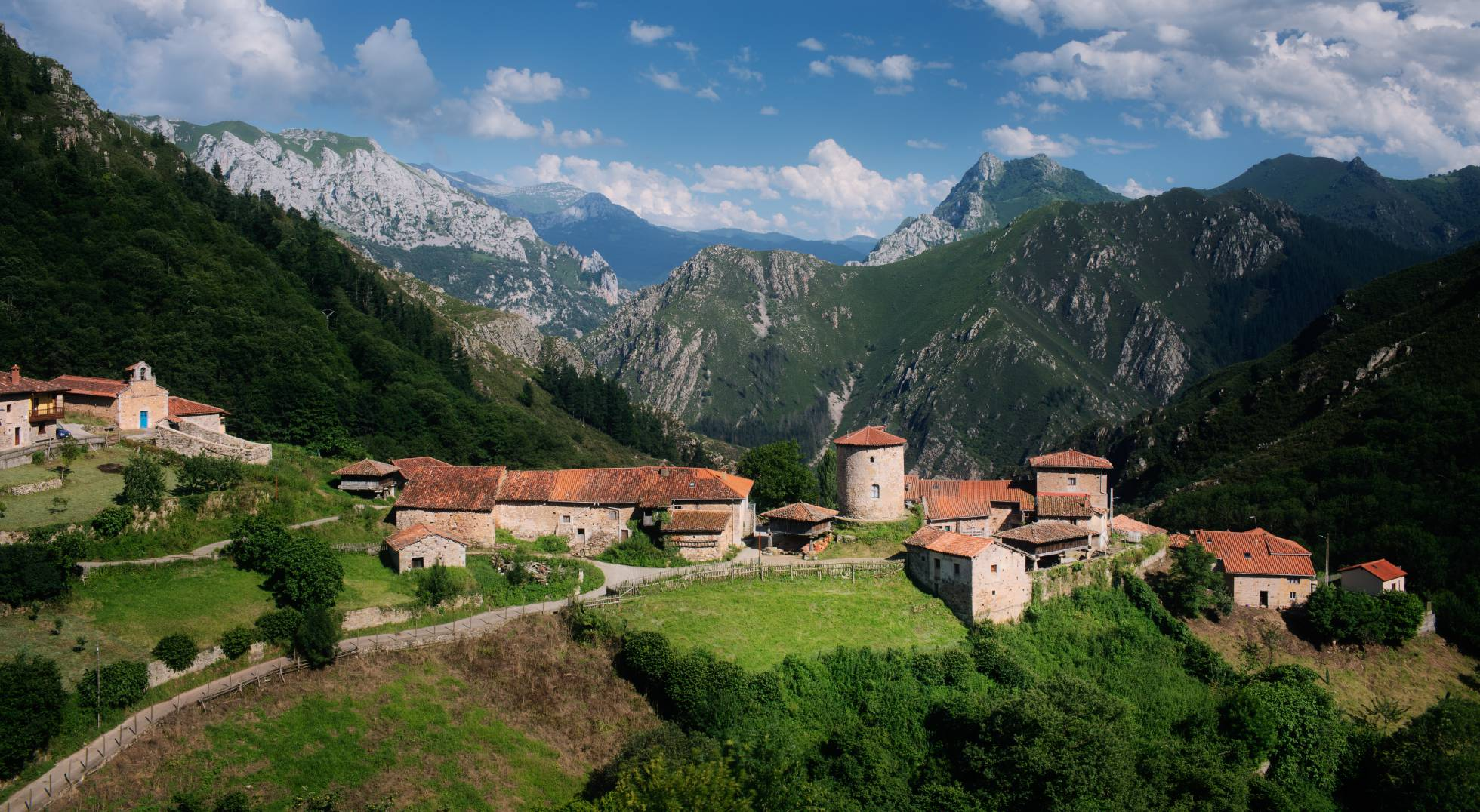 Los 10 pueblos más bonitos de Asturias, según los lectores de EL PAÍS