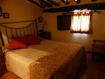 Habitación de la Posada del Adarve, en Albarracín (Teruel).