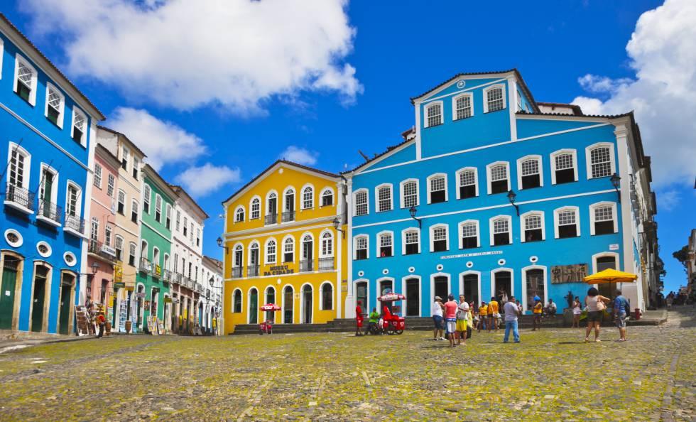 El Museo de la Cidade y, en el edificio azul, la Fundação Casa de Jorge Amado, en el Largo do Pelourinho.