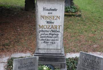 La tumba de Constanze, la mujer de Mozart, enterrada en Salzburgo.