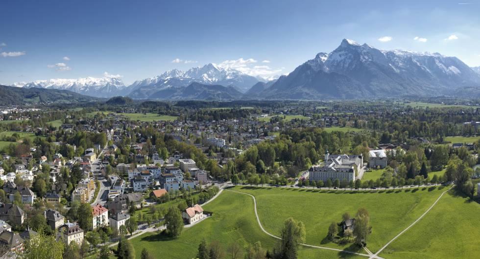 El macizo montañoso de Untersberg domina las vistas desde Salzburgo.