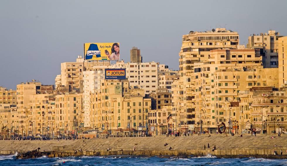 La Corniche, el paseo marítimo de Alejandría.
