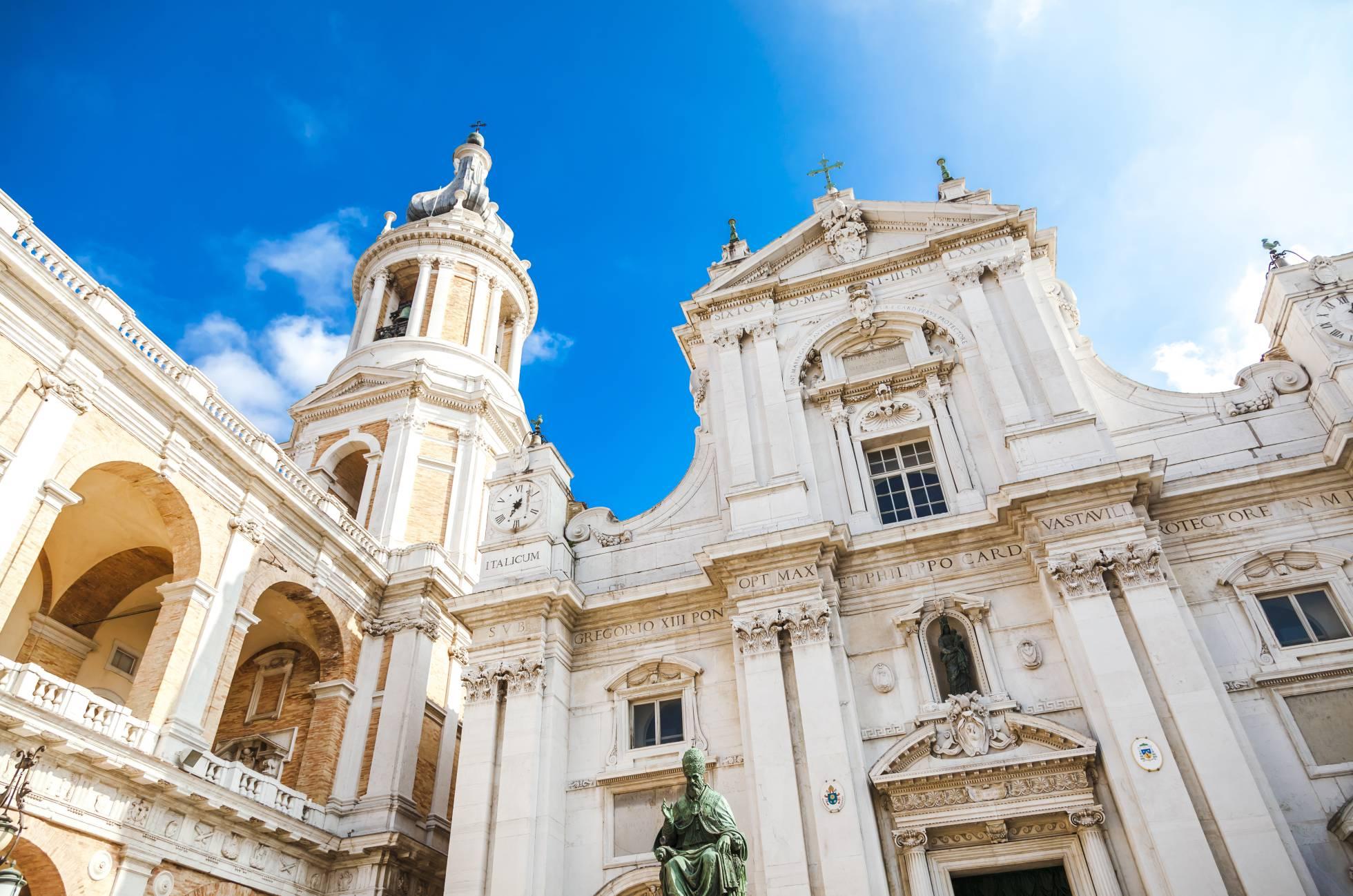 Basílica da Santa Casa em Loreto, no condado italiano de Marche.