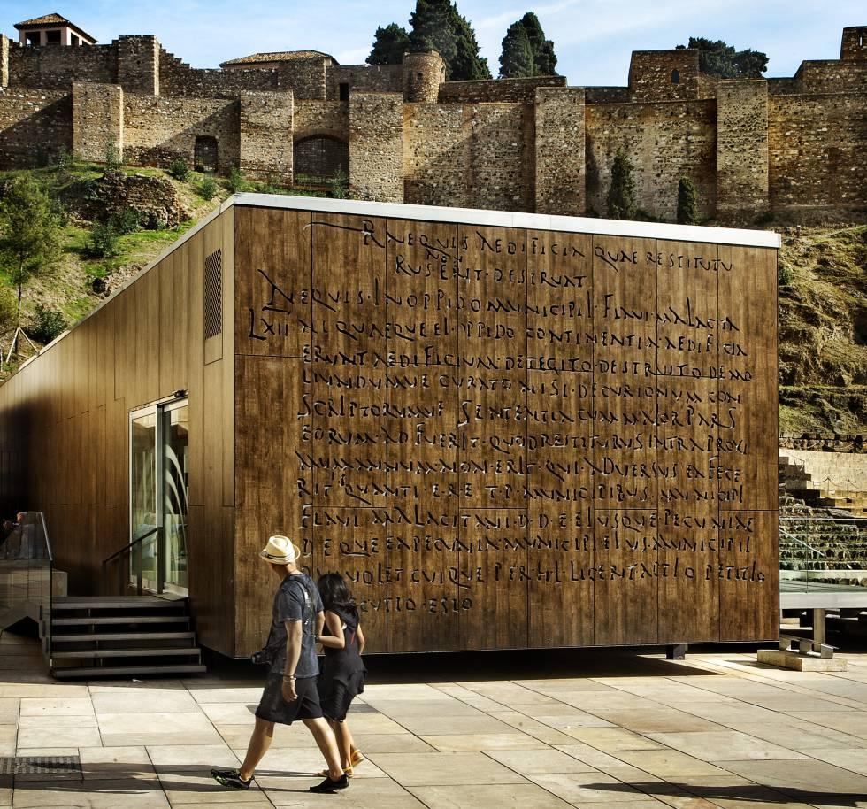 Centro de Interpretación Teatro Romano de Málaga, a los pies de la alcazaba. La ciudad andaluza es Capital Europea del Turismo Inteligente 2020.