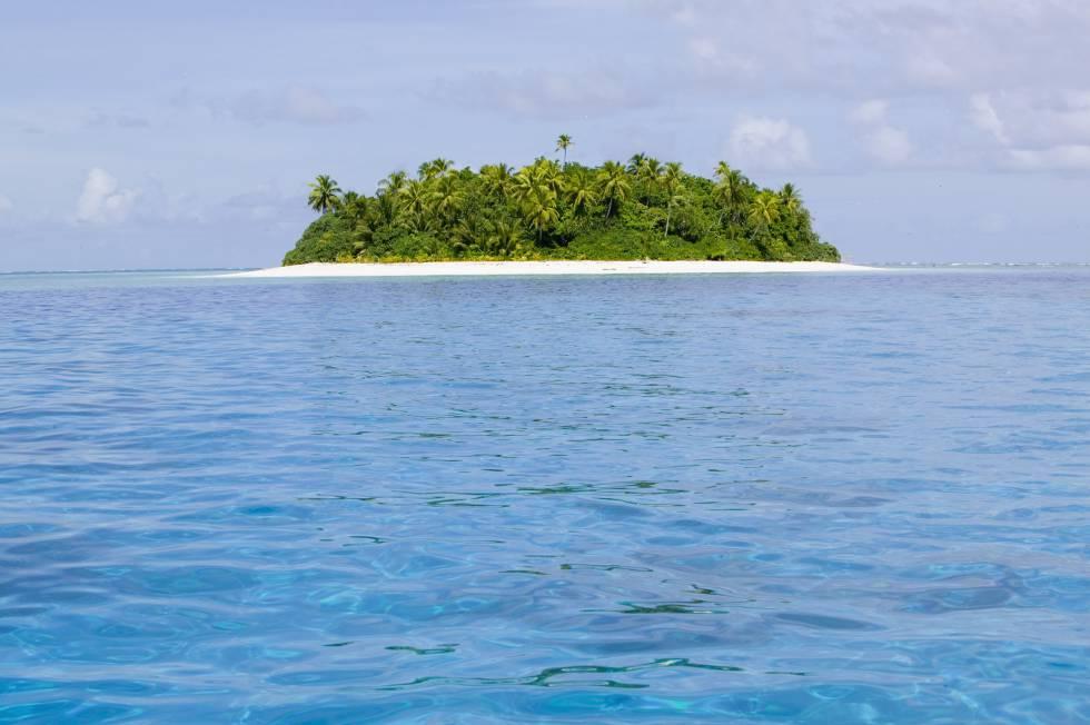 El islote de Teafualiku, frente al atolón de Funafuti, en Tuvalu, está amenazado por el aumento del nivel del mar.