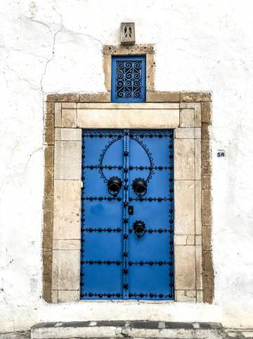 Detalle en una calle de la ciudad tunecina Sidi Bou Said.