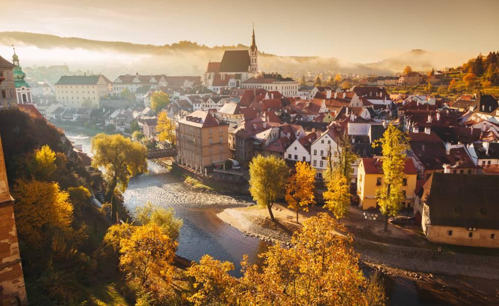 Vista del centro histórico de Cesky Krumlov, en la República Checa, declarado patrimonio mundial desde 1992.