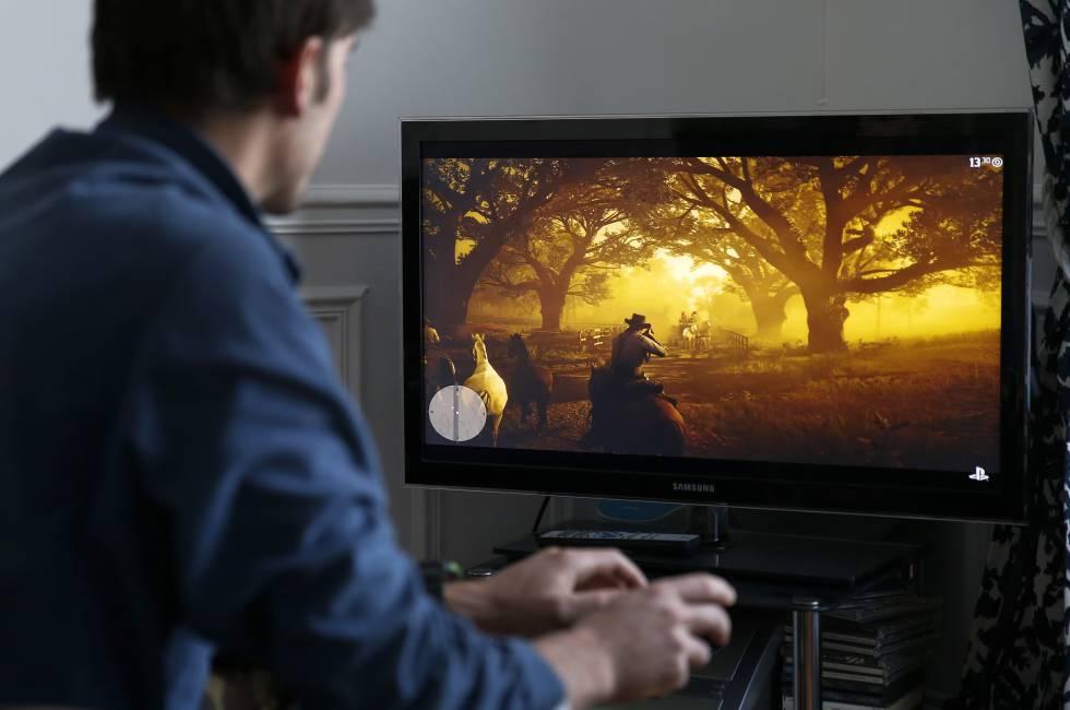 Un jugador, durante una partida de 'Red Dead Redemption 2'.