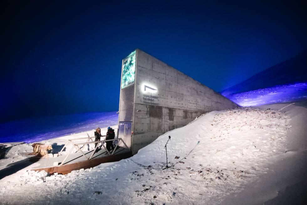 Entrada al Banco Mundial de Semillas en el archipiélago noruego de Svalbard.