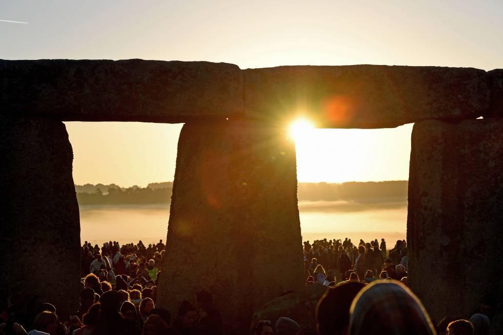Celebración del solsticio de verano en el conjunto prehistórico de Stonehenge.