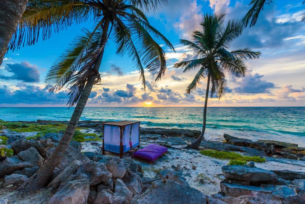Atardecer en playa Paraíso, en Túlum (México).