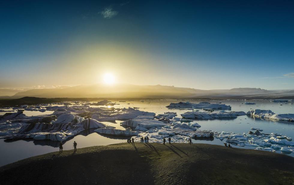 Icebergs flotando en Jökulsárlon, Islandia.