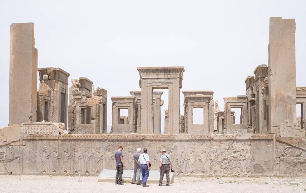 Viaje a Persia con una guía de hace 400 años | El Viajero