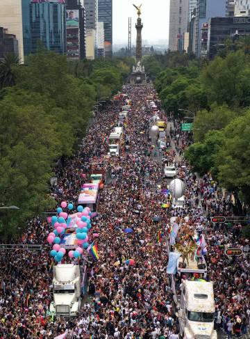 Vista aérea de la 41ª edición del Orgullo, en 2019, en el Paseo de la Reforma, en Ciudad de México.