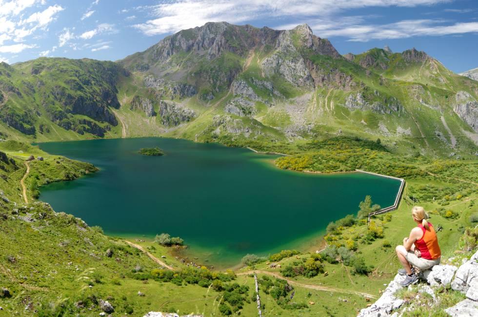 El lago del Valle, en el parque natural de Somiedo (Asturias).