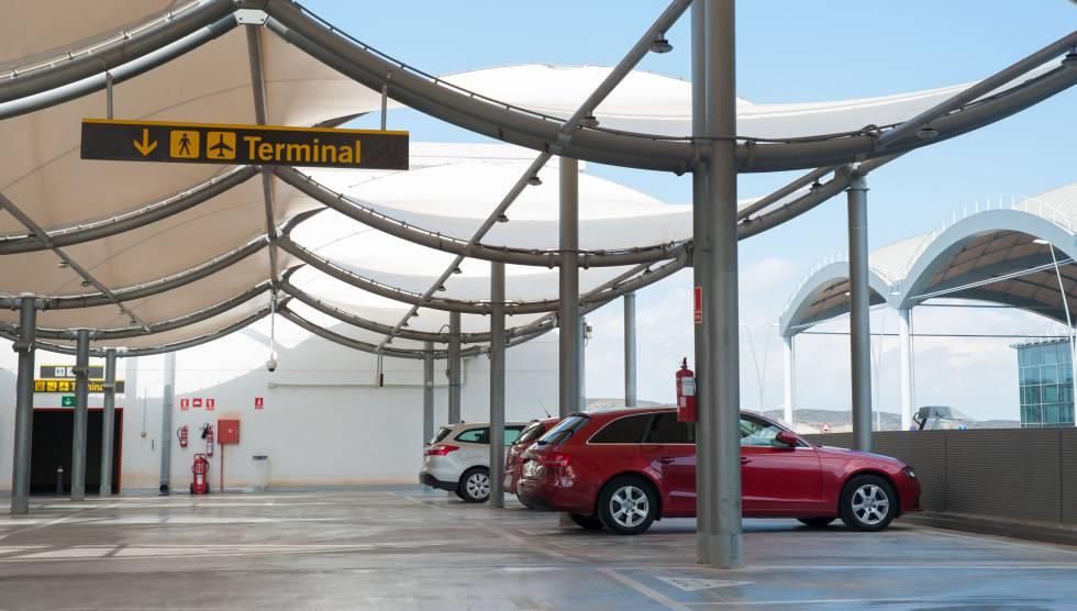 Seguridad y tranquilidad: viaja en avión con una atención exclusiva y sin preocuparte por tu vehículo