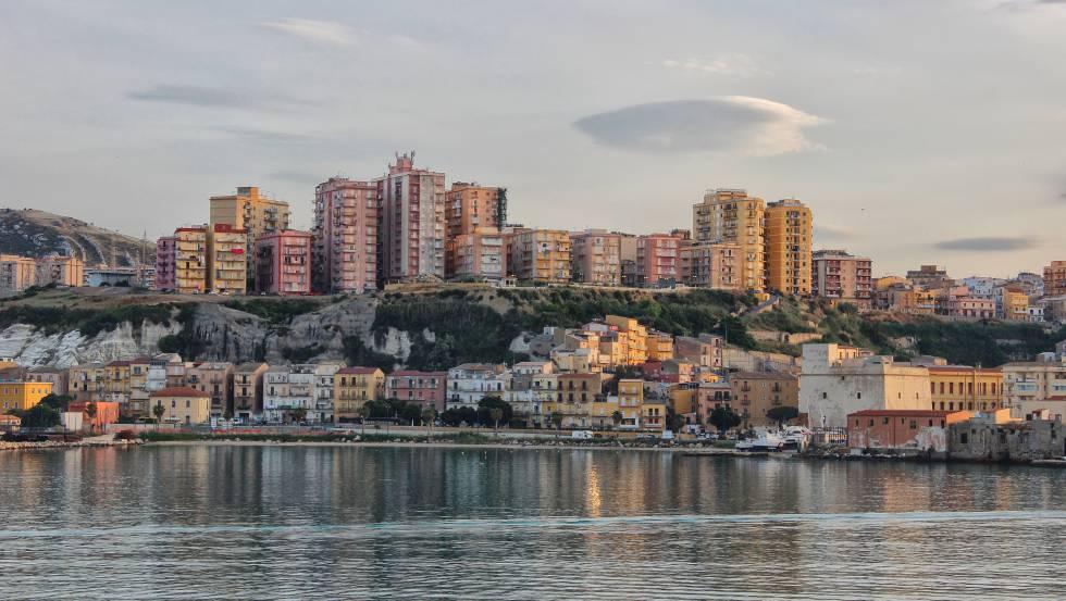 Vista de la ciudad de Porto Empedocle, en la provincia siciliana de Agrigento.