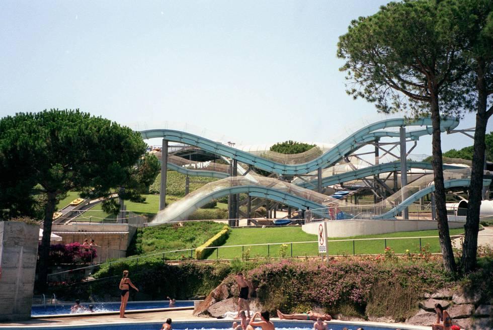 Toboganes y piscinas del Water World, en Lloret de Mar.