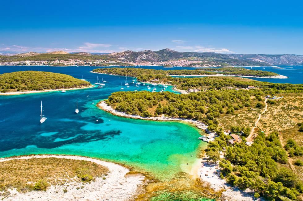Las islas Pakleni, al suroeste de la isla de Hvar, en la costa dálmata de Croacia.