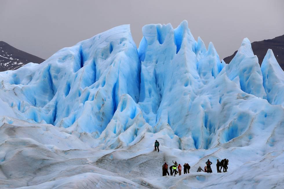 Una ruta de treking por el glaciar Perito Moreno, en el parque nacional de Los Glaciares, en la provincia argentina de Santa Cruz.