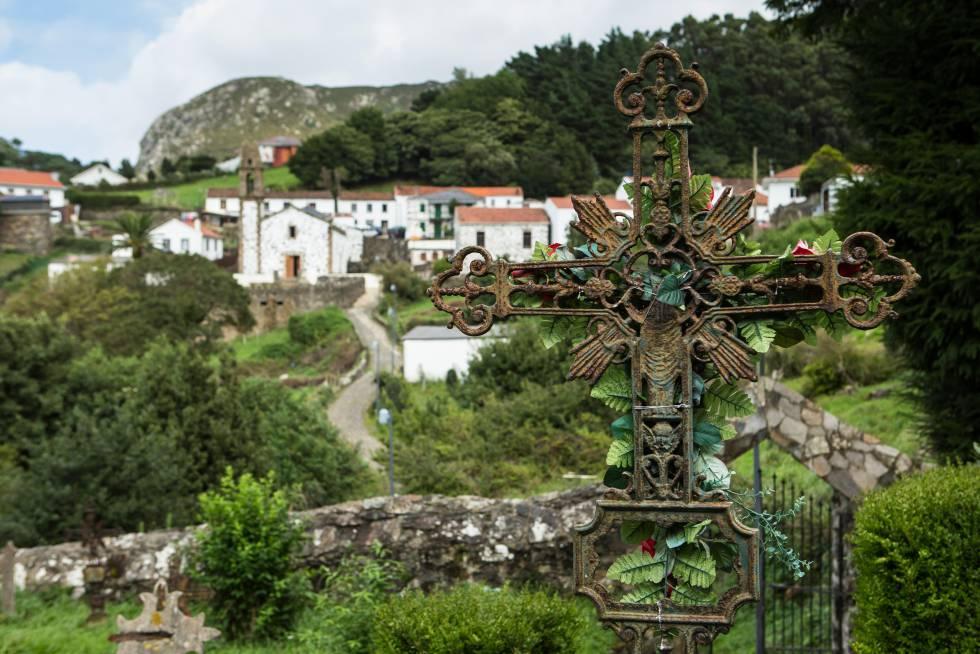Panorámica de San Andrés de Teixido, desde el cementerio de la localidad gallega.