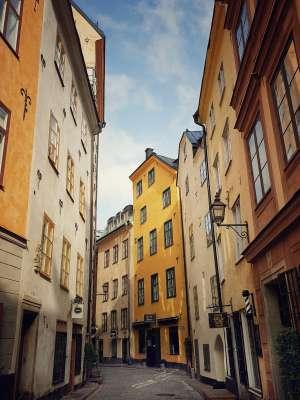 Una calle del centro histórico de Estocolmo (Gamla Stan).