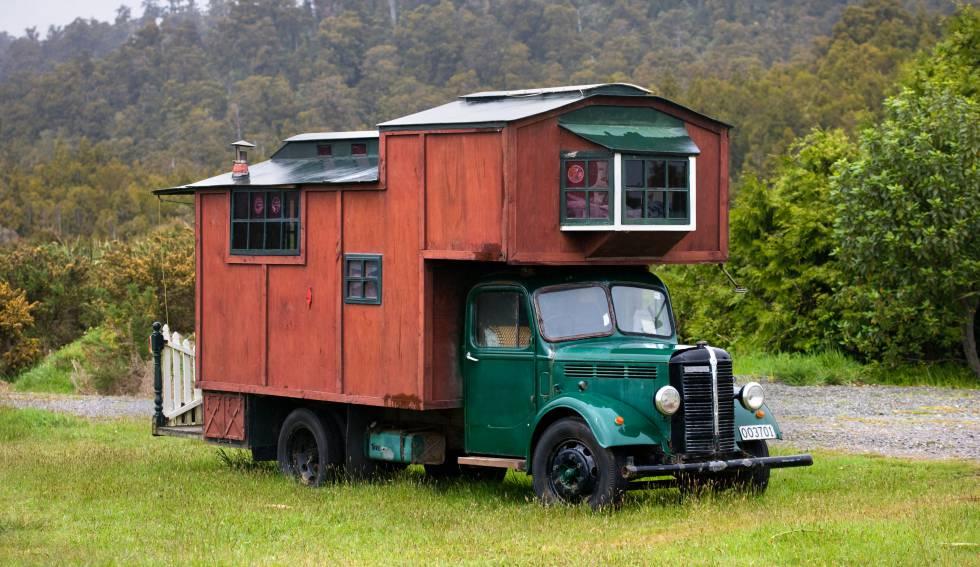 Camión 'camper' en Okarito (Nueva Zelanda).