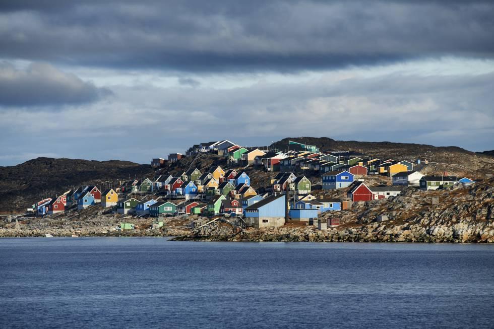 El pueblo de Aasiaat, en la bahía de Disko, al suroeste de Groenlandia.