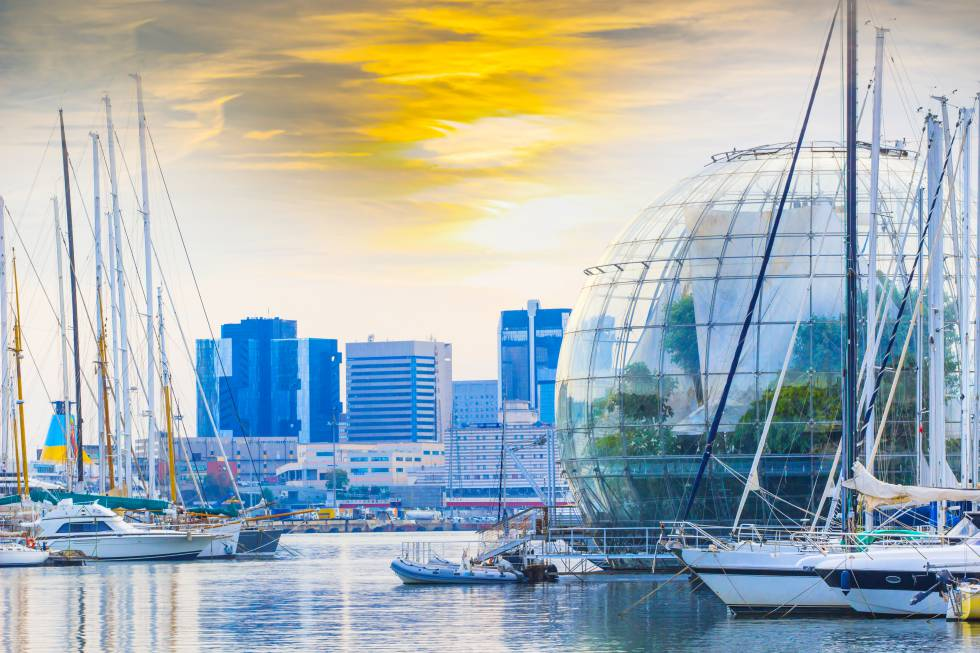La Biosfera diseñada por el arquitecto Renzo Piano en el puerto de Génova.