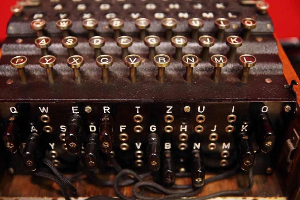 La máquina de encriptación Enigma, utilizada por los submarinos alemanes en la II Guerra Mundial.