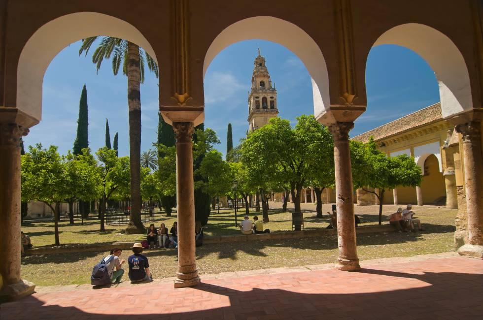 El patio de los naranjos, en la mezquita-catedral de Córdoba.