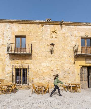 Exterior of Casa Taberna, in the town of Pedraza.