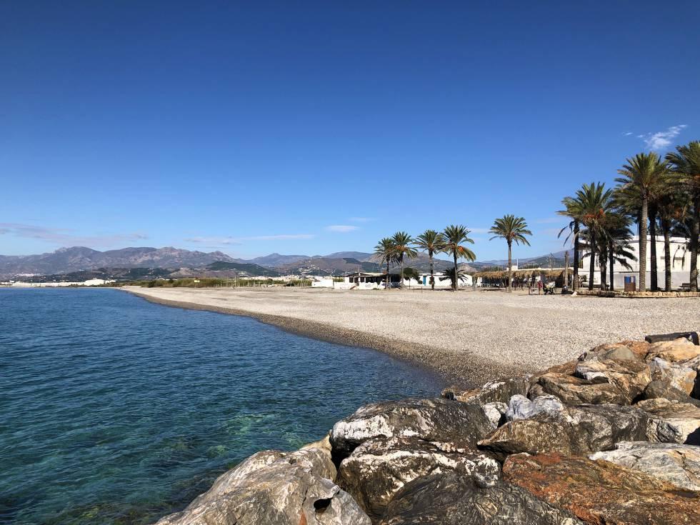 Vista de la playa granadina del Cañón.