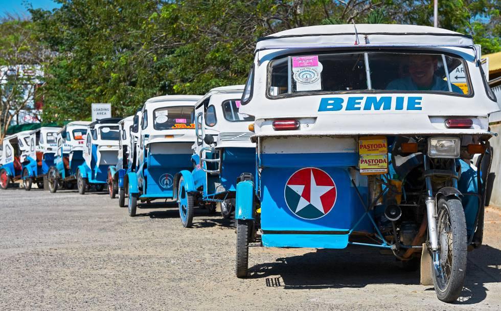 'Tricycles en Puerto Princesa, capital de la provincia filipina de Palawan.