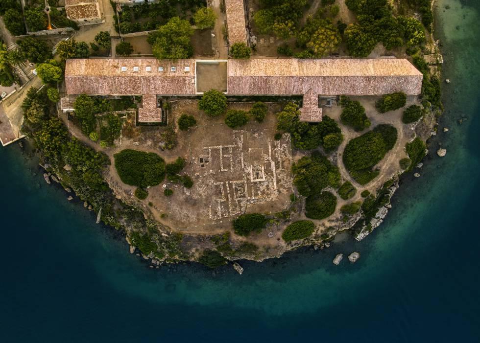 Vista aérea del nuevo centro de arte Hauser & Wirth, en la isla del Rey (Menorca).