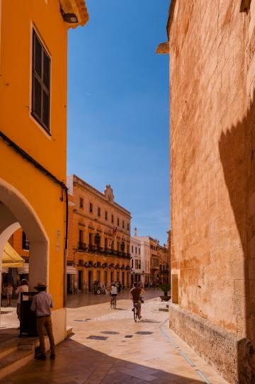 Calles del centro histórico de Ciudadela (Menorca).