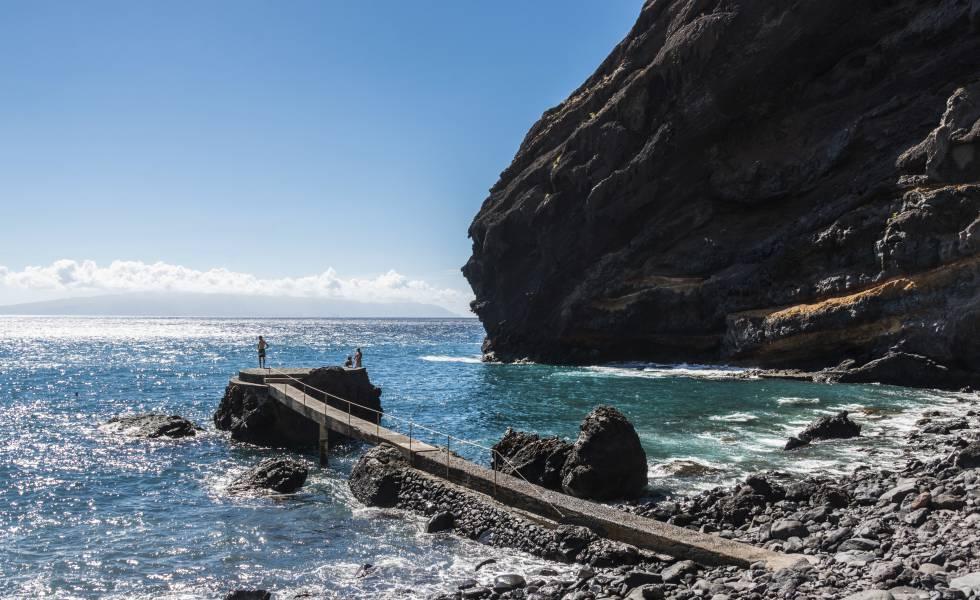 El embarcadero de la playa de Masca, la meta tras cinco kilómetros de descenso.